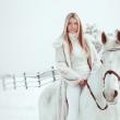 Белоснежные кадры с зимней фотосессии